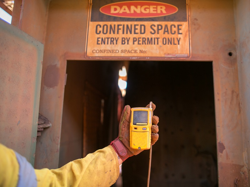 atmospheric monitoring devices and equipment for underground mining