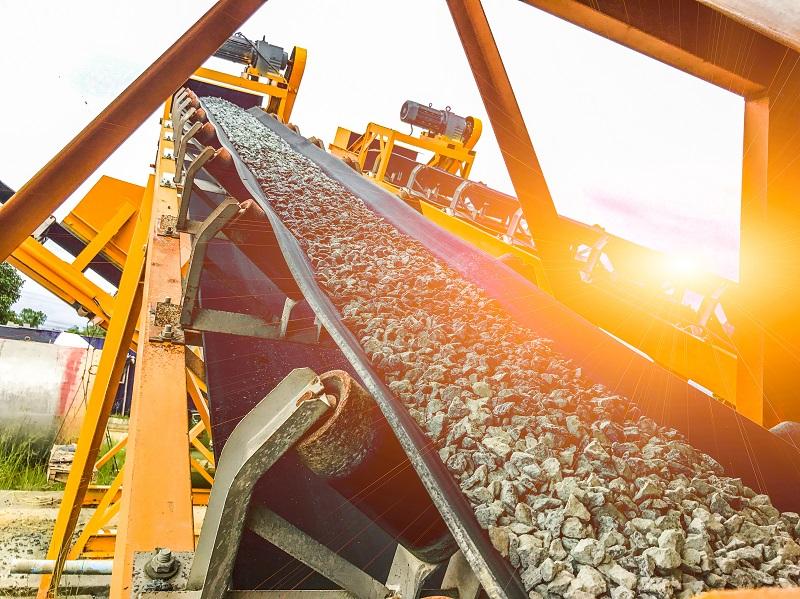 Conveyor motor controls for mines